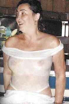 Лолита Милявская без лифчика в Сочи, 2005