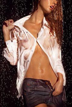 Лянка Грыу засветила грудь в журнале XXL, Сентябрь 2010