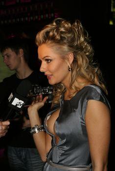 Мария Кожевникова засветила грудь на церемонии Top 10 Sexy, 2009