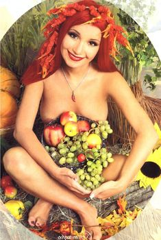 Раздетая Ольга Орлова в журнале «Караван историй», 2003