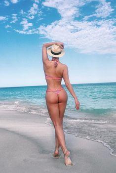 Татьяна Котова в бикини на пляже в Майами, Январь 2016