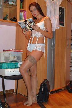 Эвелина Блёданс в нижнем белье