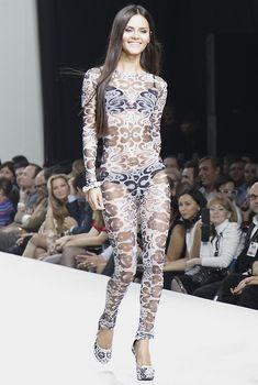 Катя Ли в прозрачном наряде на Volvo Fashion Week