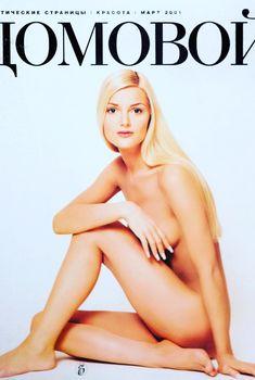 Екатерина Мельник разделась для журнала «Домовой», Март 2001