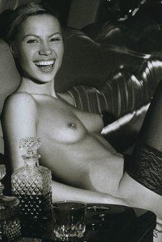 Алиса Селезнёва оголила грудь в журнале Playboy, Февраль 2006