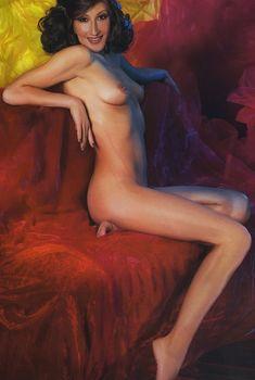Оксана Казакова позирует голой в журнале «Караван историй», 2006