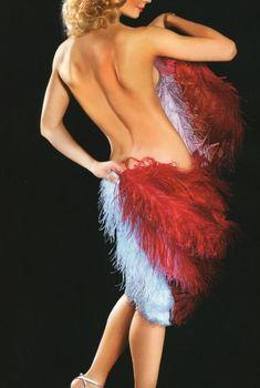 Пикантный образ Марины Александровой в журнале «Караван Историй», 2008