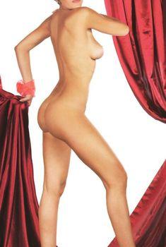 Слава снялась обнаженной для журнала «Караван Историй», 2007