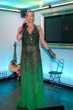 Анастасия Волочкова в просвечивающем платье на вручении премий «Прорыв года», Октябрь 2011