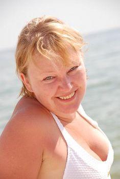Галина Бокашевская в купальнике на фестивале «Кинотавр», 2008