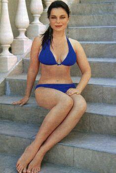 Наташа Королева позирует в купальнике для журнала «7 Дней», Август 2007