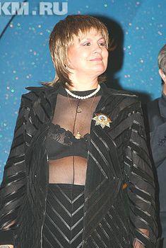 Откровенный наряд Татьяны Судец на презентация альбома «Песни моих родителей», 25.05.2005