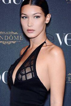 Белла Хадид в прозрачном платье на Vogue's 95th Anniversary Party, 2015