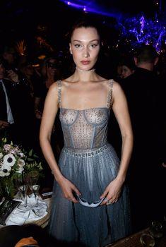 Белла Хадид показала голую грудь на Dior Ball, 23.01.2017