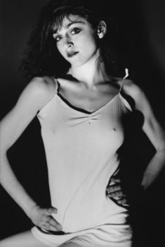 Соски Мадонны торчат сквозь майку, 1978