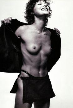 Милла Йовович показала голую грудь в Michael Thompson, 1996