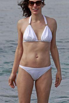 Милла Йовович в бикини на Гавайях, 01.01.2013