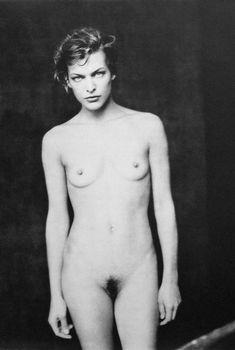 Обнажённая Милла Йовович для Paolo Roversi Secrets, 2002