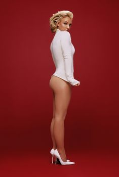 Красивая Бритни Спирс без трусиков для Esquire, 2003