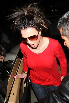 Горячая Бритни Спирс без лифчика в Лос-Анджелесе, Октябрь 2007