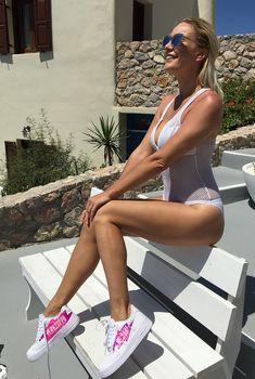 Елена Летучая в сексуальном купальнике в Греции, Август 2015