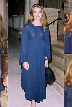 Молодая Брук Шилдс без лифчика в прозрачном платье