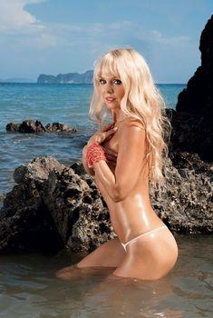 Шикарная Валерия снялась в эротической фотосессии для Maxim, Апрель 2008