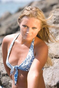 Красивая Дана Борисова в купальнике на отдыхе, 2011