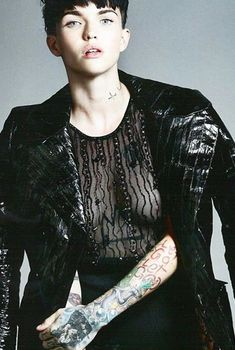 Голая грудь Руби Роуз в прозрачной кофточке из Instagram