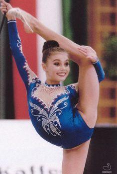 Молодая Алина Кабаева в отличной спортивной форме