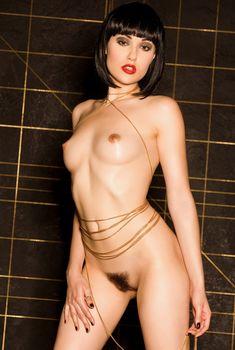 Сексуальная Саша Грей обнажилась для горячих фото