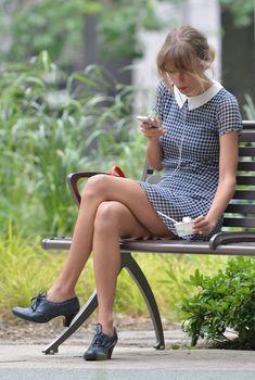Красотка Тейлор Свифт в коротком платье в Нью-Йорке, 01.08.2014