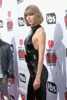 Возбуждающий наряд Тейлор Свифт на iHeartRadio Music Awards, 2016
