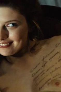 Сексуальная Эмилия Спивак показала голую грудь в фильме «18-14», 2007