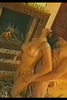 Полностью голая Любовь Тихомирова в фильме «V Степень порочности или Трахательная история», 1999