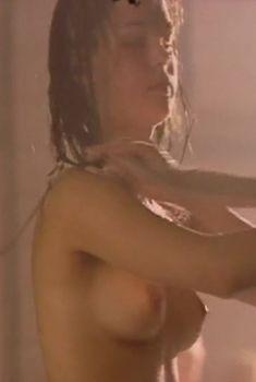 Полностью голая Наталья Данилова в фильме «Американка», 1997