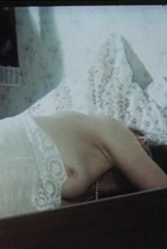 Галина Долгозвяга Засветила Сосок В Брачную Ночь – В Поисках Миллионерши (1993)