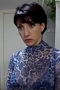 Сексуальная Алика Смехова в прозрачном наряде в сериале «Бальзаковский возраст или Все мужики сво...», 2004