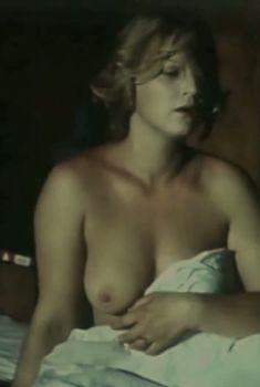 Шикарные голые сиськи Натальи Егоровой в фильме «Белые вороны», 1988