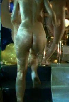 Нина Гогаева снялась голой в сериале «Бригада», 2002