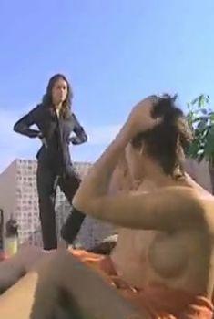 Мария Семкина оголила грудь в сериале «В ритме танго», 2006