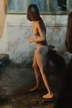 Голая попа Чулпан Хаматовой в фильме «Время танцора», 1997