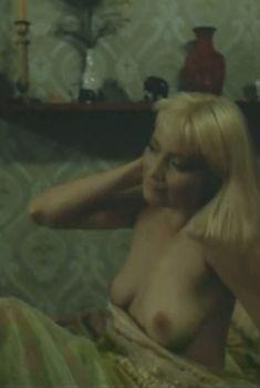 Полностью голая Лариса Белогурова в фильме «Гений», 1991
