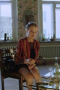 Красотка Анна Синякина засветила трусики в фильме «День полнолуния», 1998