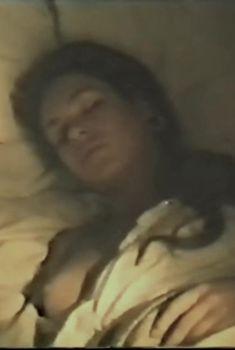 Татьяна Скороходова засветила грудь в фильме «Дина», 1990