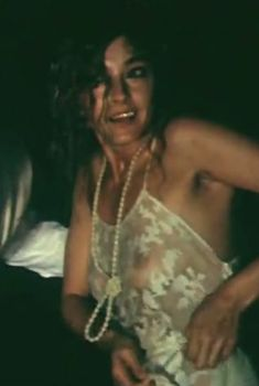 Анастасия Вертинская засветила грудь в сериале «Дни и годы Николая Батыгина», 1987