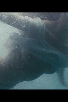 Засвет груди Светланы Ивановой в фильме «Дом Солнца», 2009