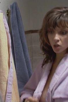Красотка Юлия Агафонова засветила грудь в сериале «Закрытая школа», 2011