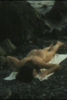 Абсолютно голая Вера Сотникова в фильме «Захочу - полюблю», 1990