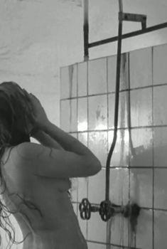 Маргарита Терехова оголила грудь в фильме «Зеркало», 1974